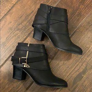 Thalia Sodi Ankle Boots